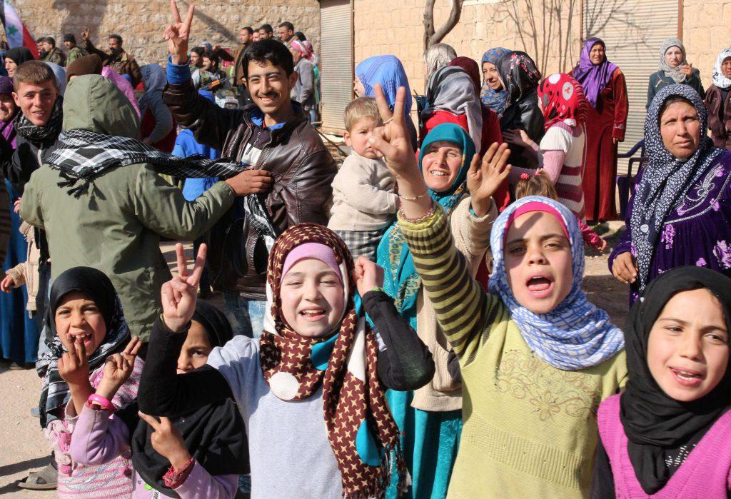 Syrere er mer enn stridende eller ofre, sier Marchell Shahwaro til Ny Tid. Dette bildet er tatt etter frigjøringen av byen Zaharaa i februar i år. FOTO: APF