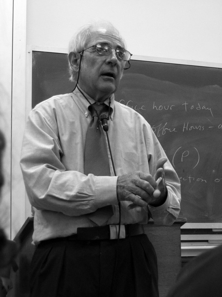 John Searle er professor emeritus i filosofi ved University of California, Berkeley.