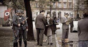 贫民窟的导演乔兰塔·迪勒夫斯卡(Jolanta Dylewska)和安德烈·瓦杰达(Andrzej Wajda)