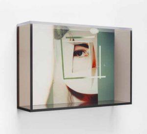 Ingrid Olson Occhi e occhi. 2018, MDF stampato UV, dimensioni PVA, gesso, plexiglas, viti, 41 × 60 × 15 cm. © Simone Subal Gallery, New York e i8 Gallery, Reykjavik. Dal libro Why Photography?, MELK, 2020