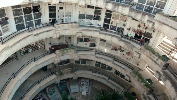 City of the Dead (Ciudad de los muertos) Director Miguel Eek